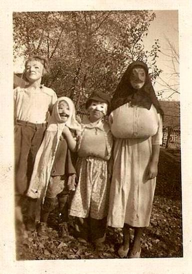 Vintage costumes bb
