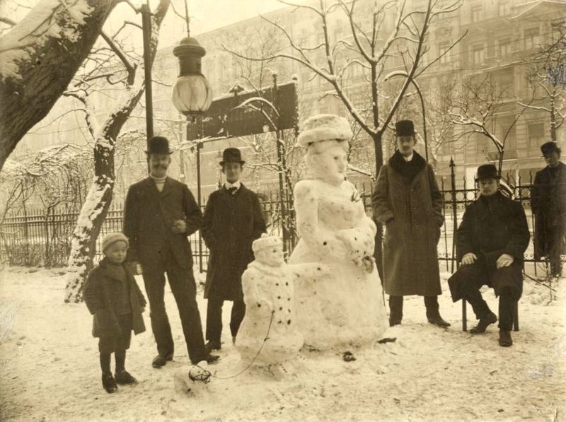 Snowman in Natchez, Mississippi, 1890