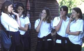 Z2 teenage girls smoking