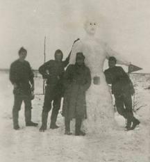 1940s building snowman